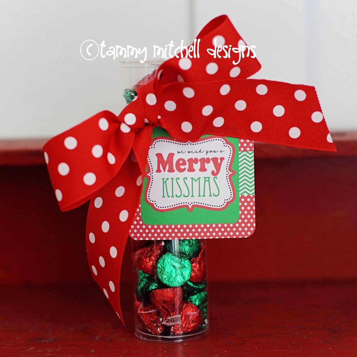 Christmas tag kissmas