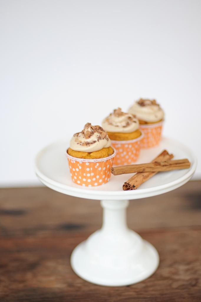 pumpkin cupcakes 4