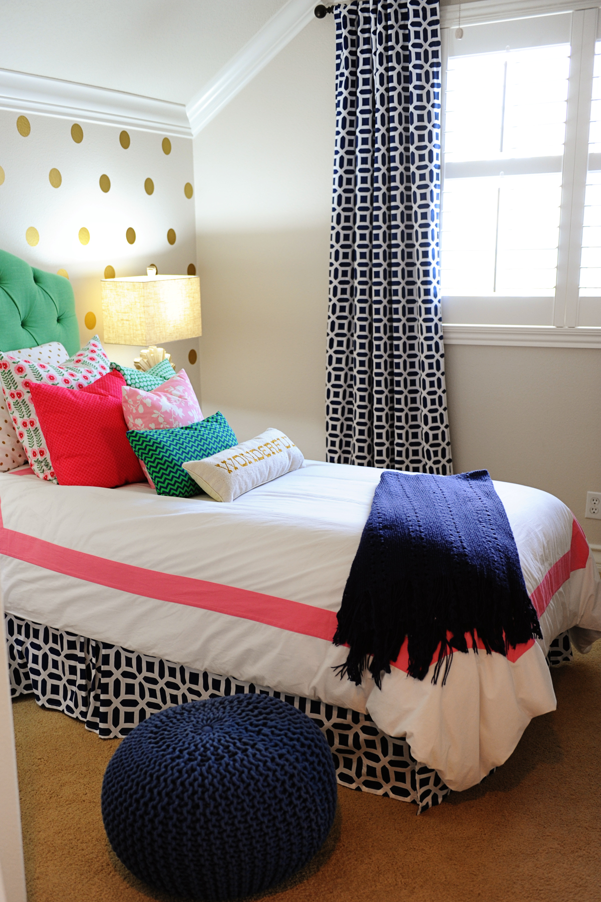 Tween girl bedroom preppy design decor ideas pink navy - Cute bedroom ideas for tweens ...