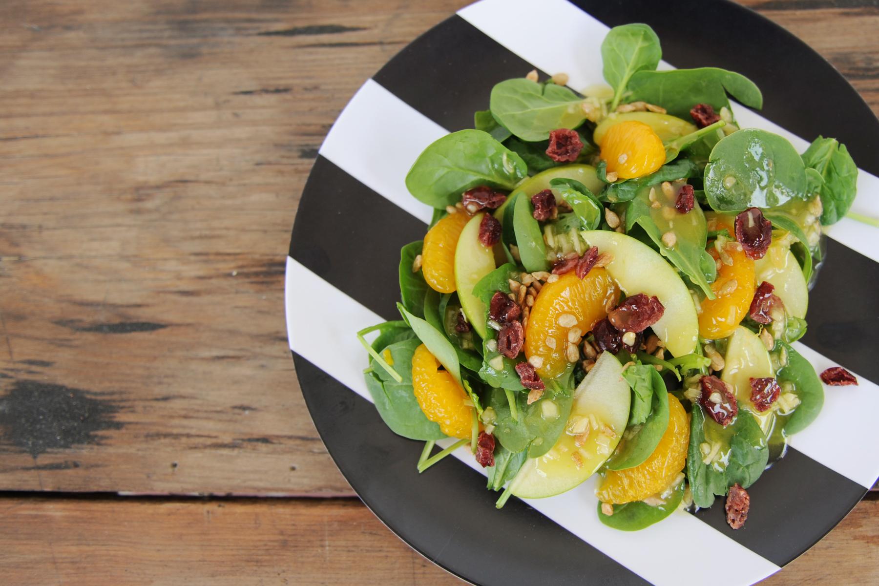 Spinach and mandarin salad 3