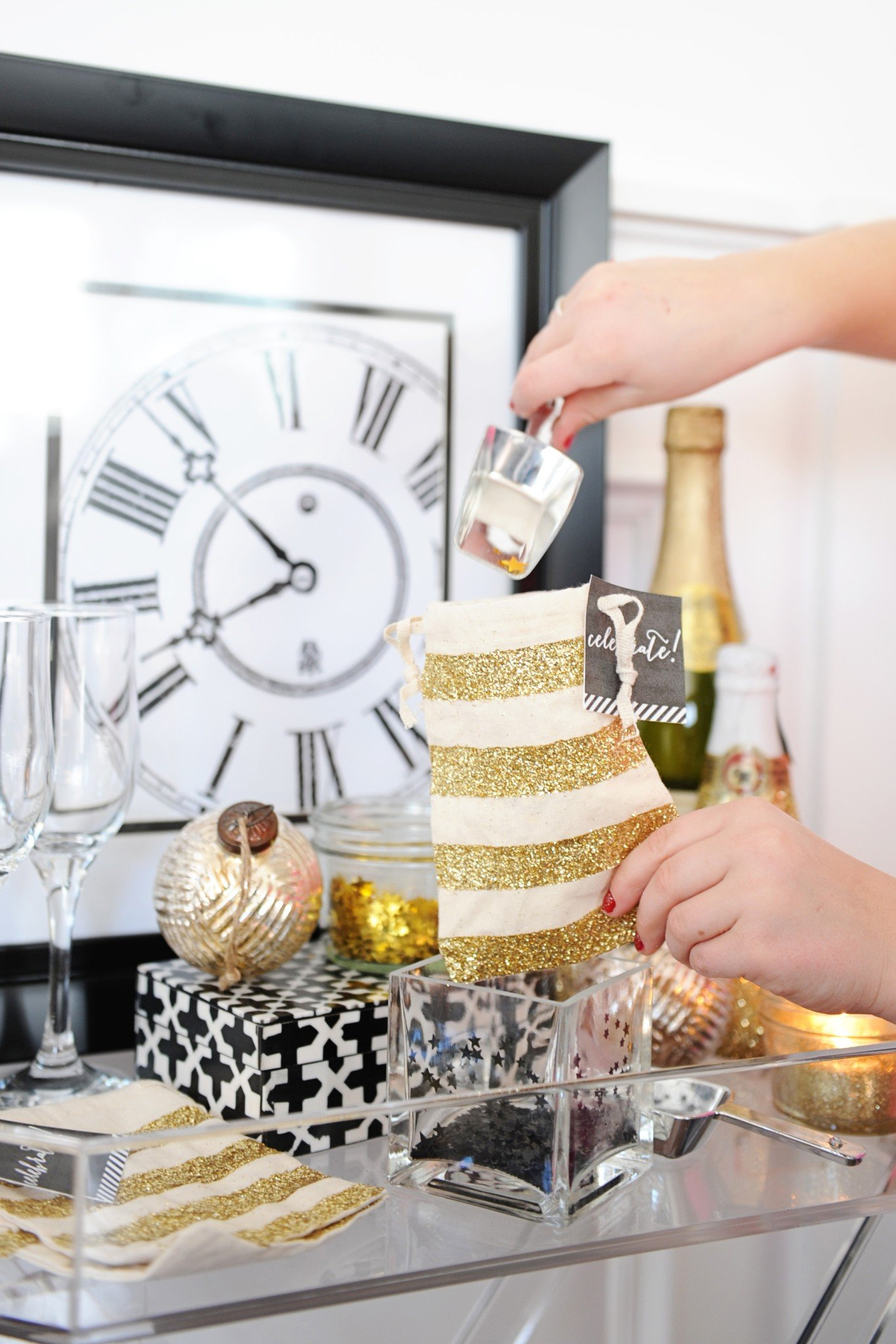 DIY Confetti Bar : Perfect for New Year\'s Eve fun and Wedding ...