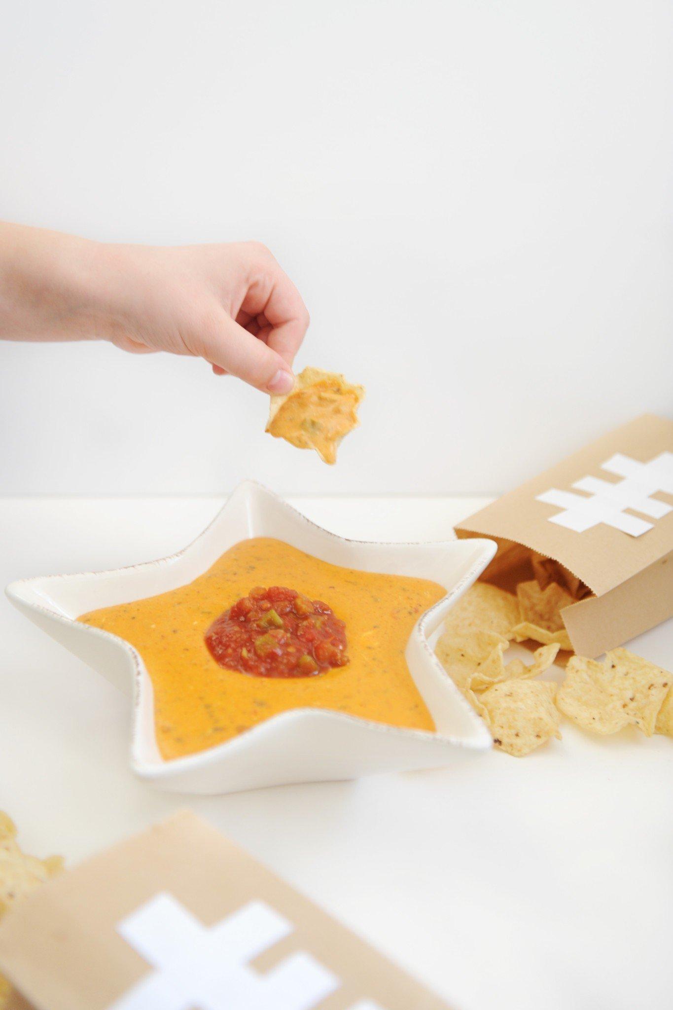 Cheesy chili dip recipe 6