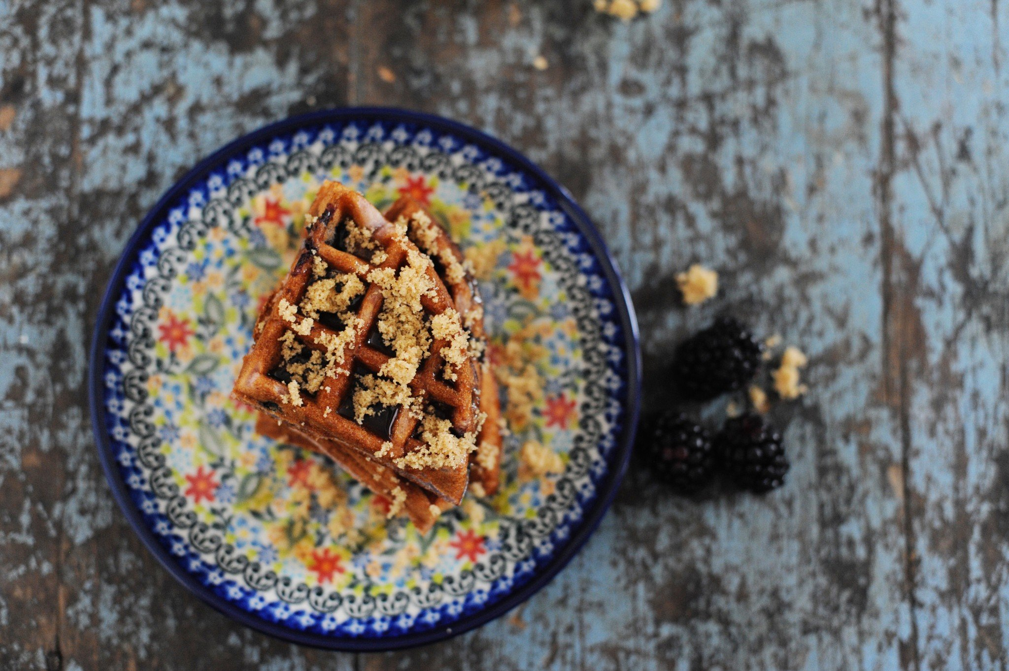 Delicious blueberry crumble waffles recipe
