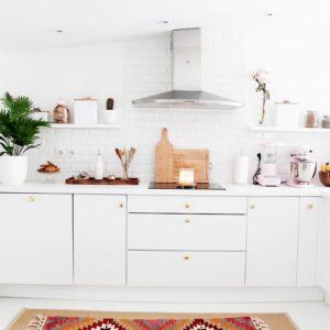 7 amazing patterned tile bathroom floors pink peppermint for Nouvelle cuisine 2016