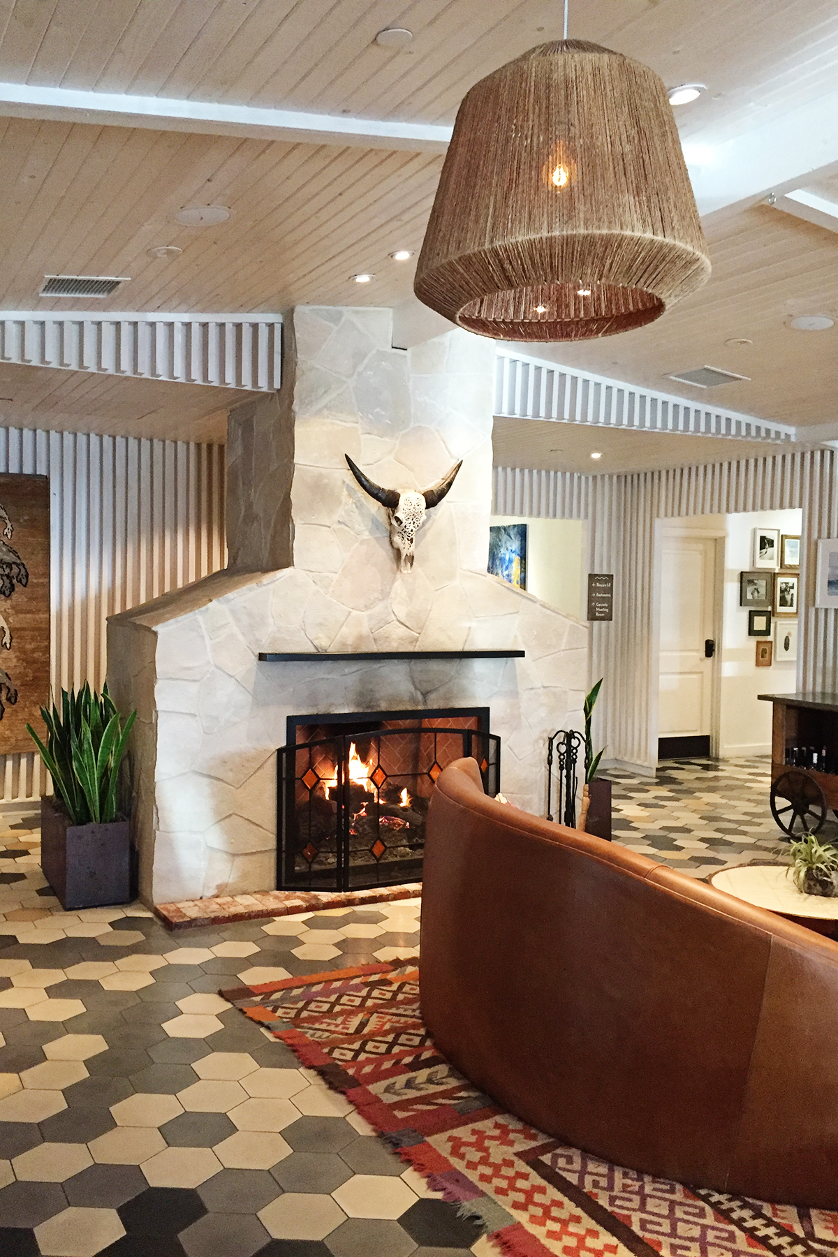 destination design: the goodland kimpton hotel, goleta ca - pink