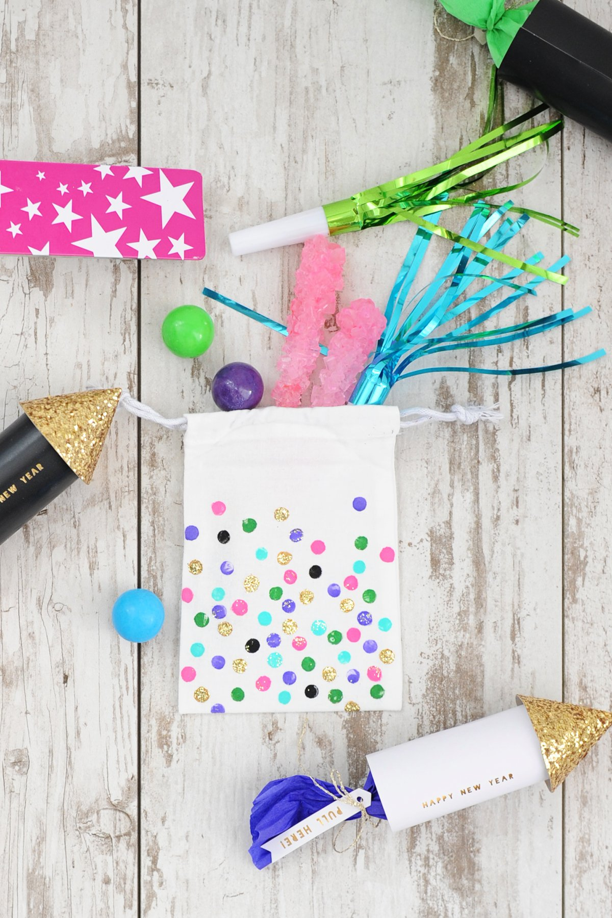 New Year\'s Eve Party Idea: Cute DIY Party Favor Bags - Pink ...