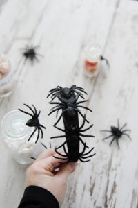 Easy 5 Minute Halloween Spider Headband