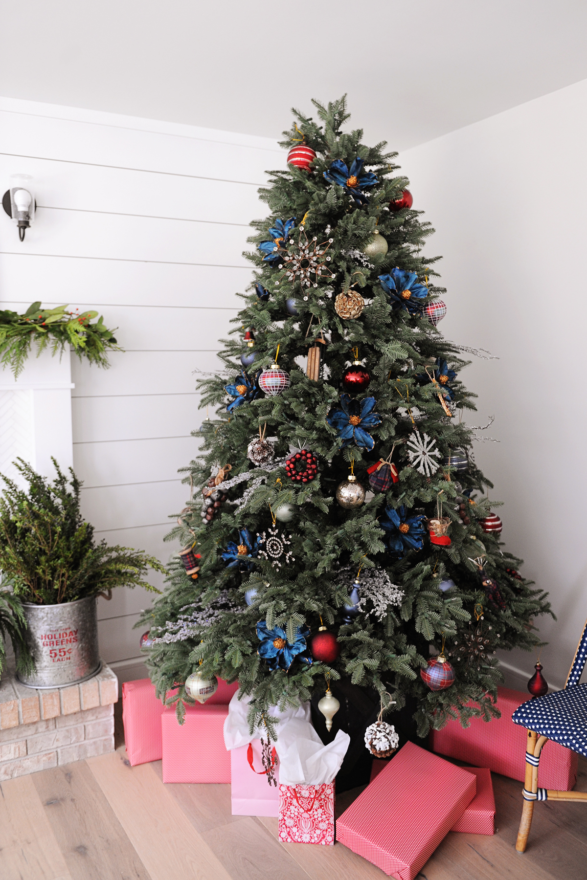 Farmhouse Christmas Tree Decorating Idea by Tammy Mitchell