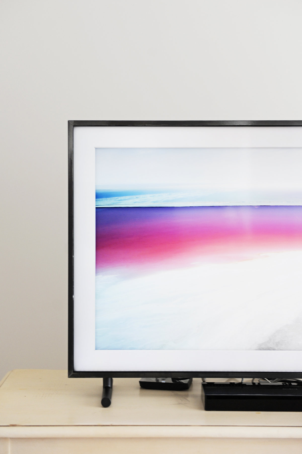Framing our Space with Samsung The Frame - Pink Peppermint Design