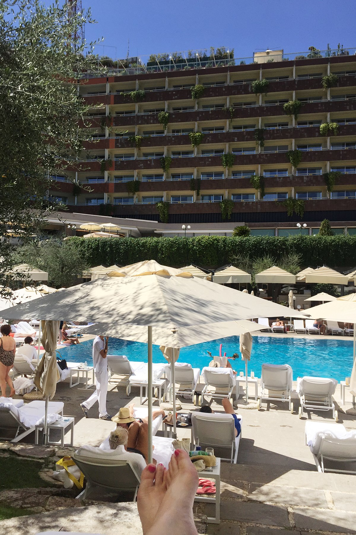 best luxury family hotel in Rome with a swimming pool