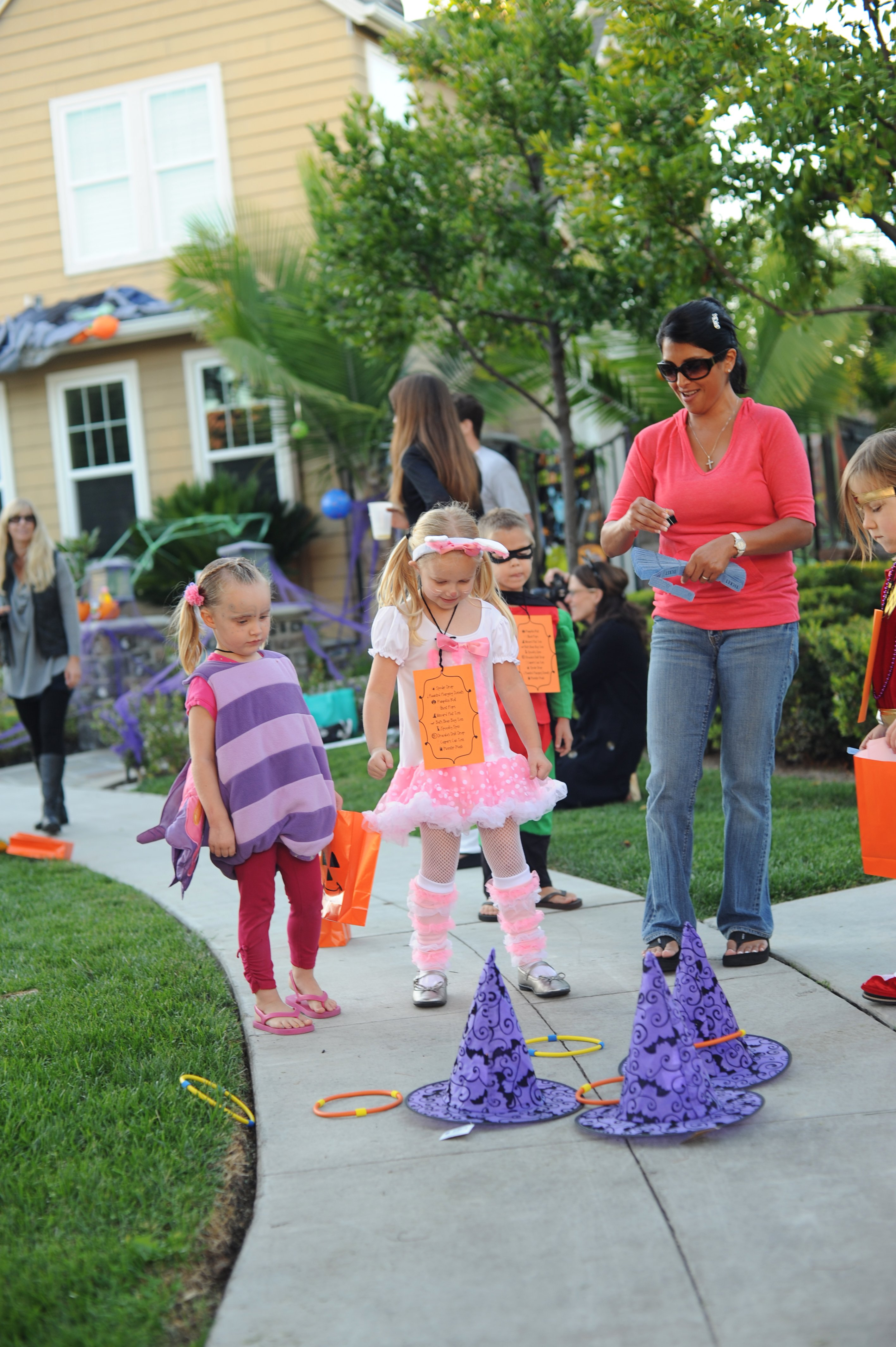 traditional halloween activity and games ideas