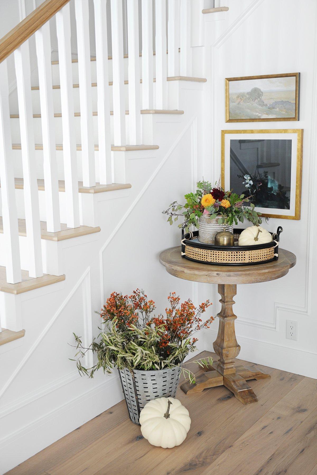 pretty fall entryway decor ideas