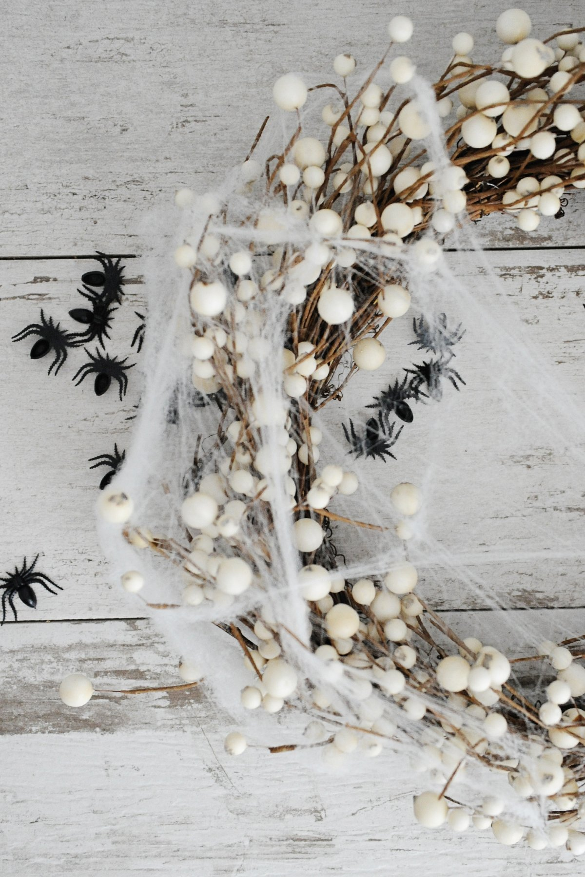 how to make a DIY spider wreath for halloween step 2