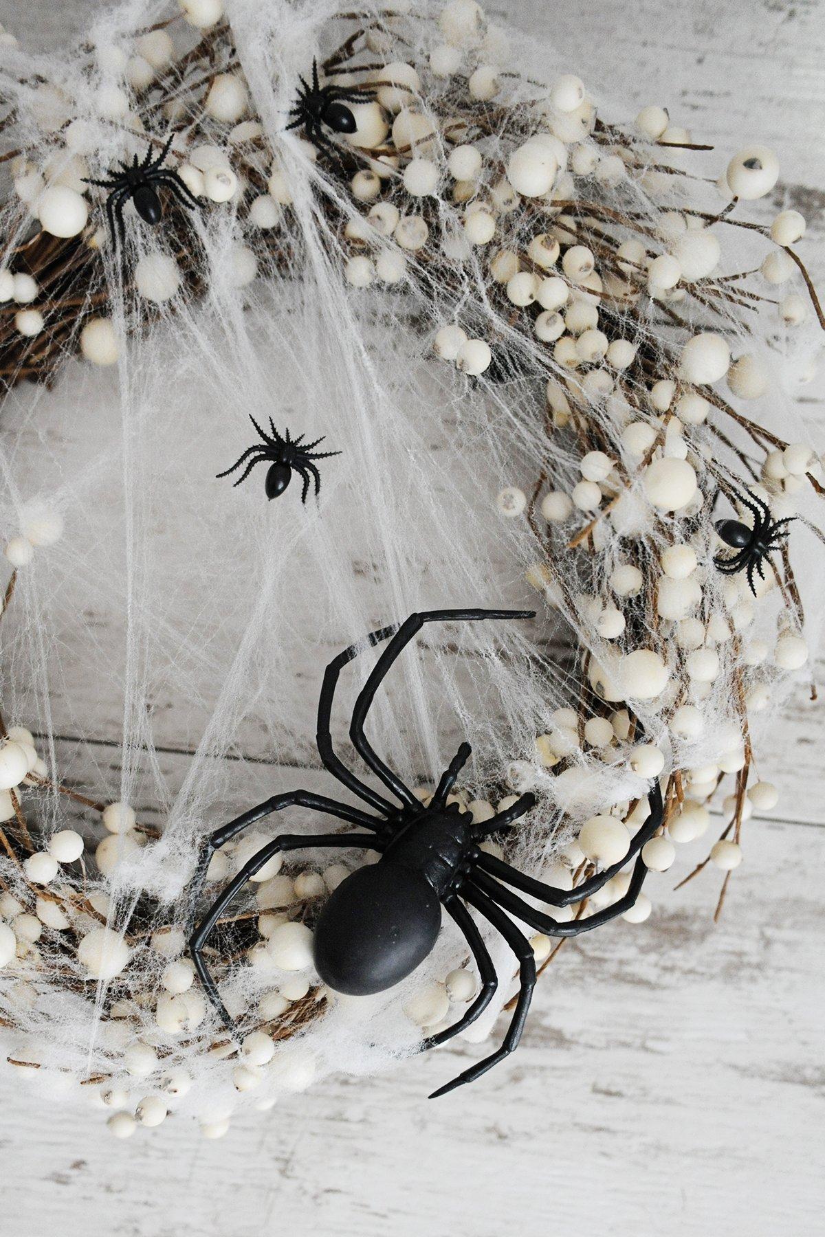 diy spider wreath step 4