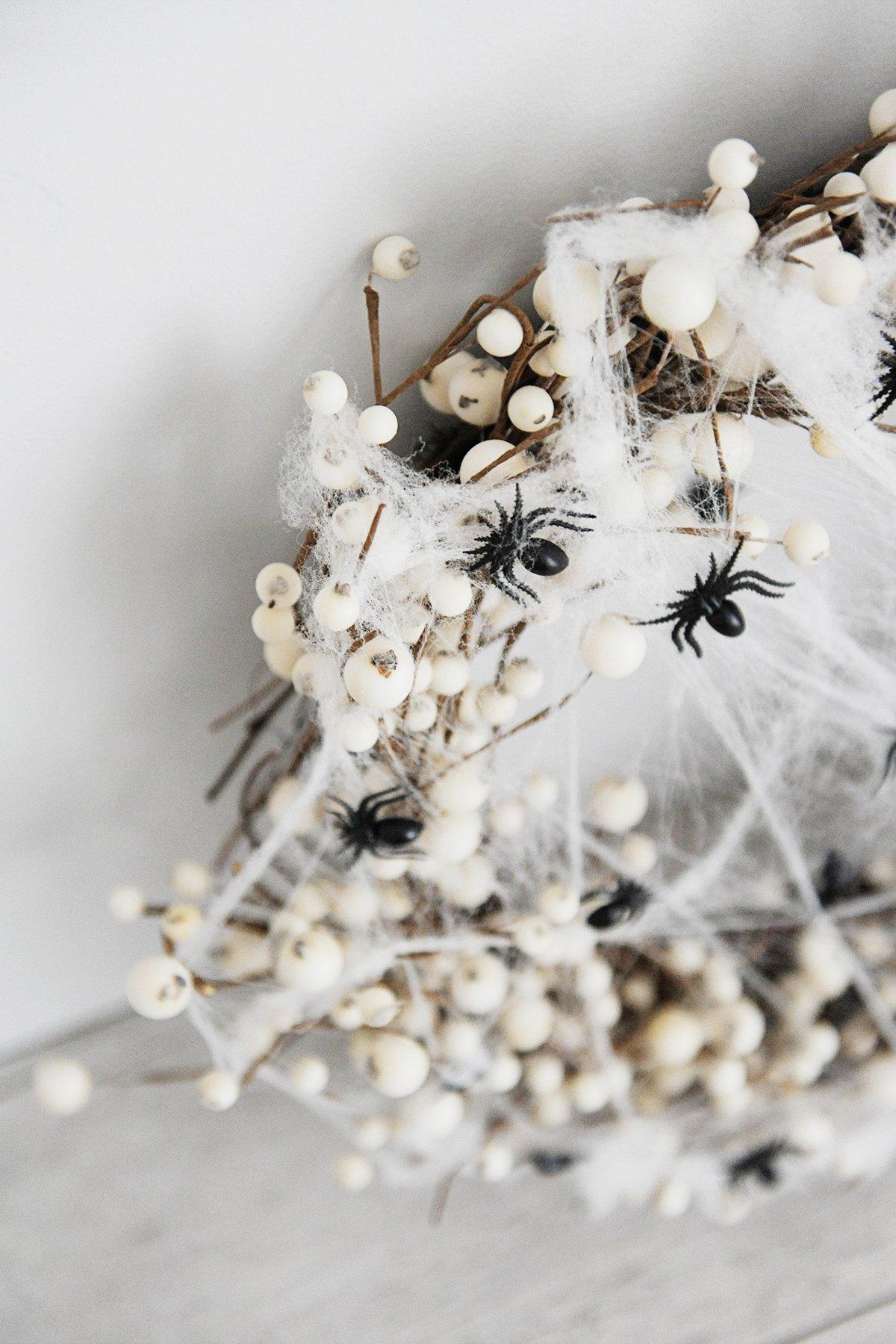 DIY spider wreath step 3