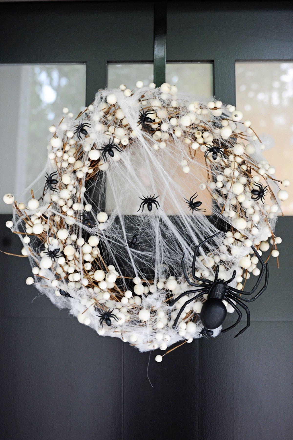 diy spider wreath step 5