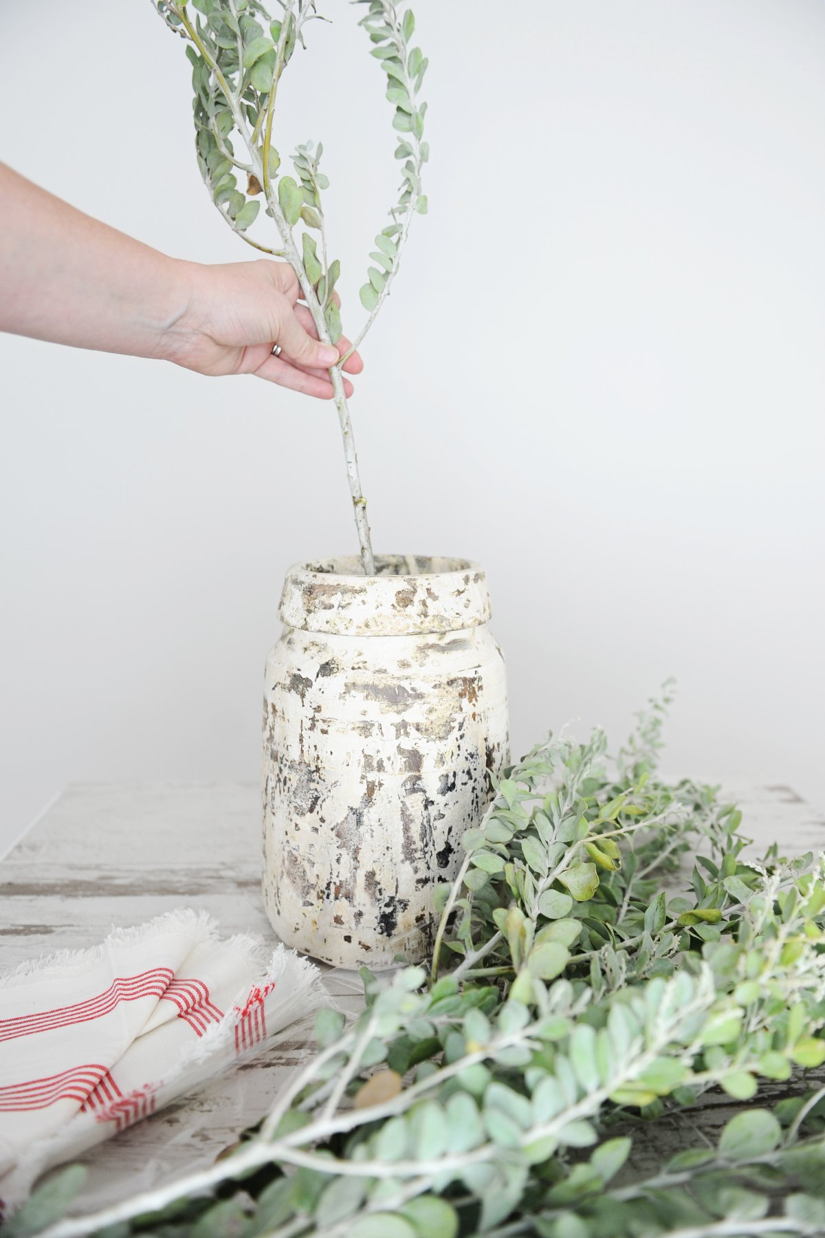 how to turn everyday items into a vase step 6