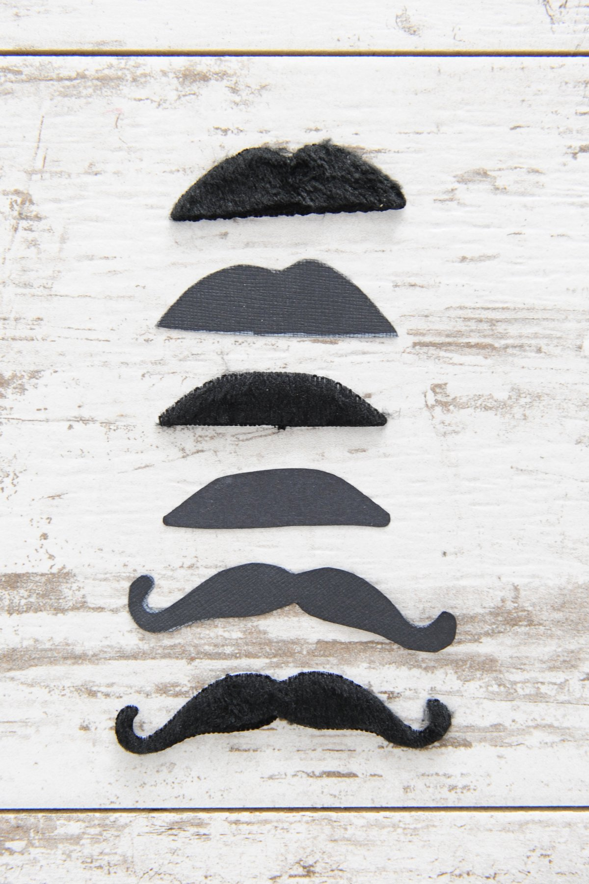 how to make mustache straw toppers step 3