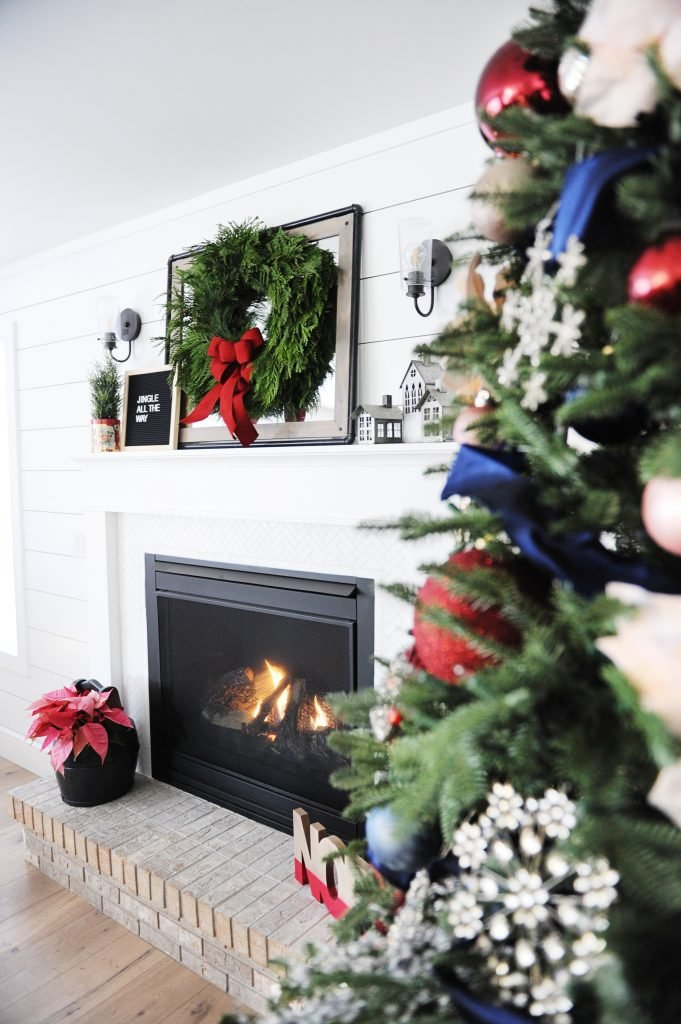 Christmas family room decorating ideas 5