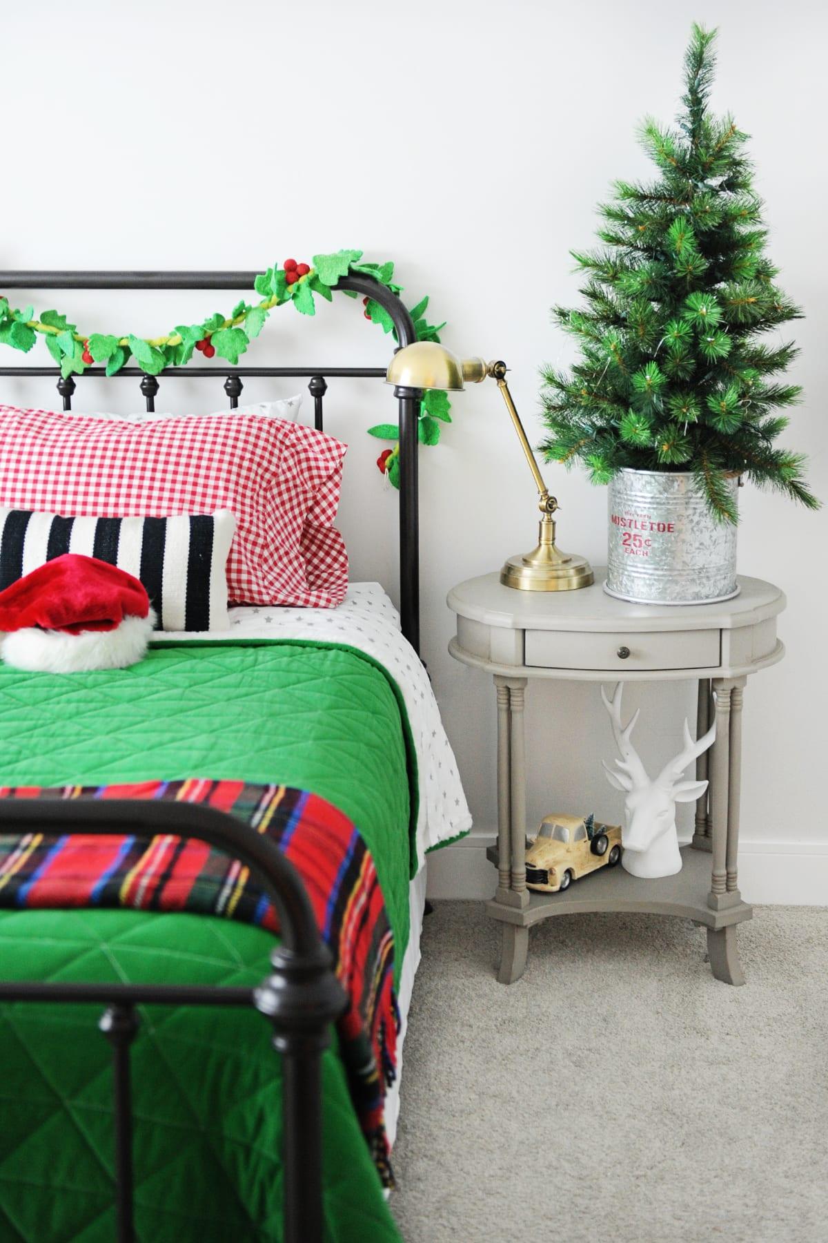 Christmas kids bedroom decorating ideas