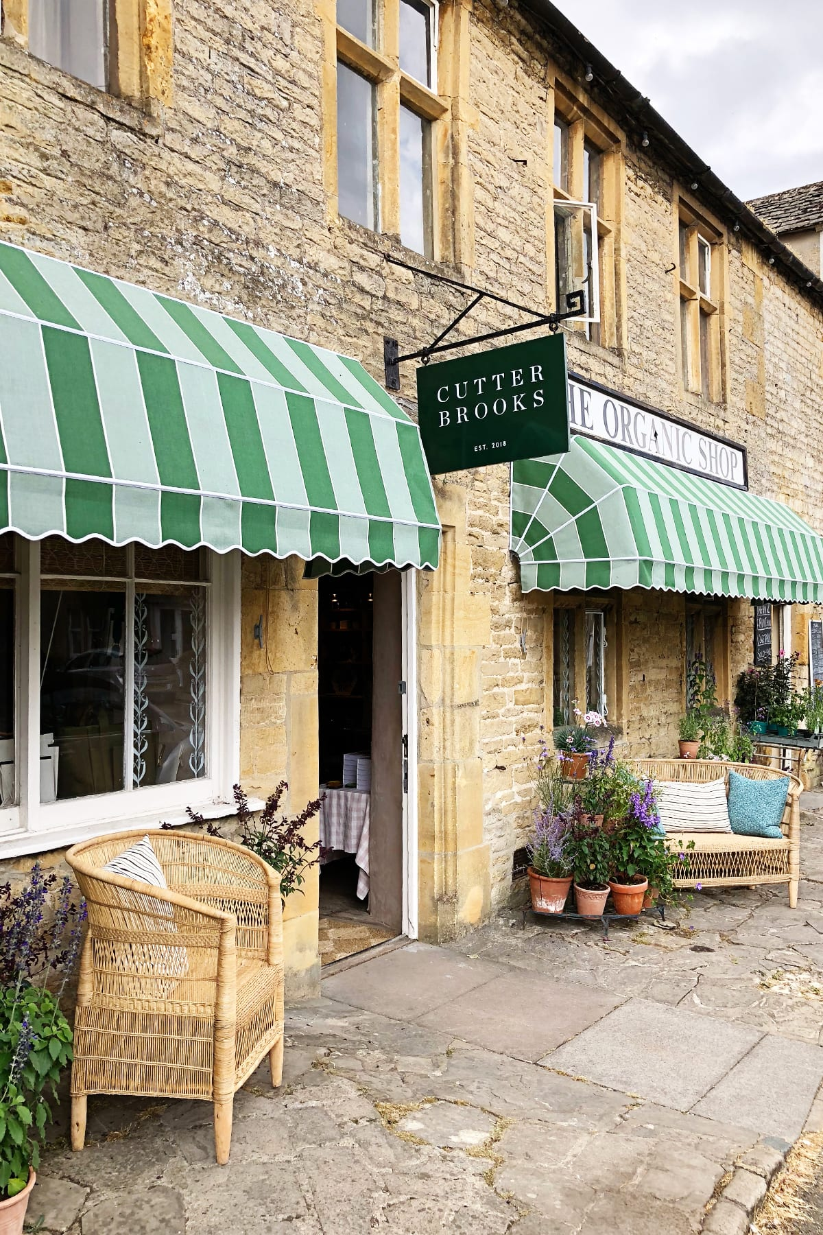 Stow on the wold shopping