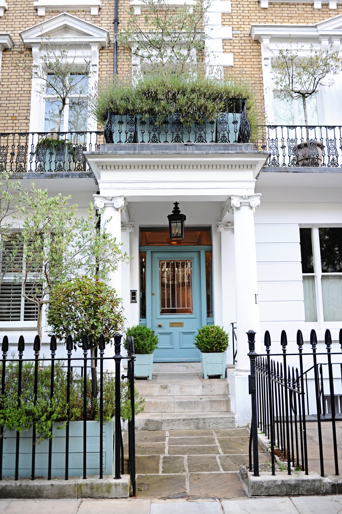Best neighborhood to stay in london with family 3