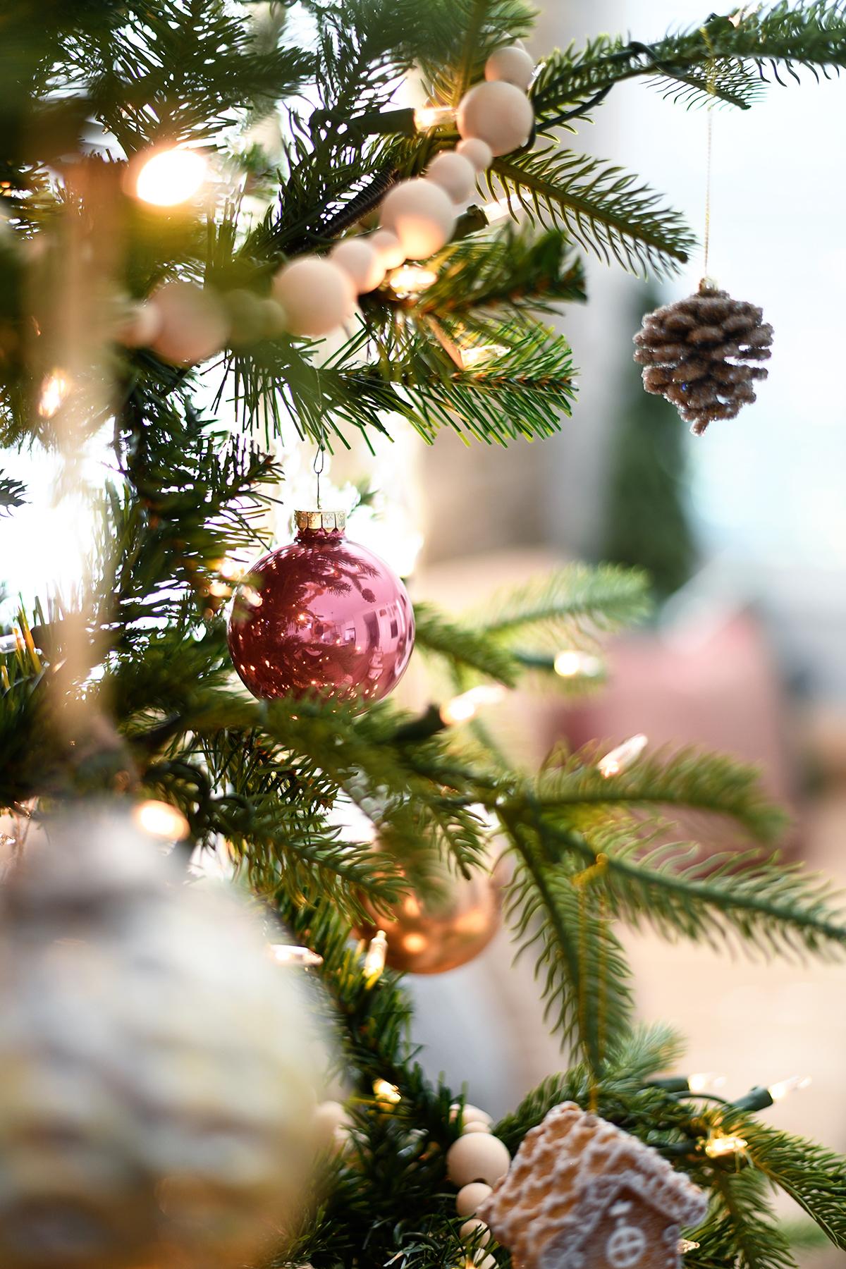 Christmas tree decor 2