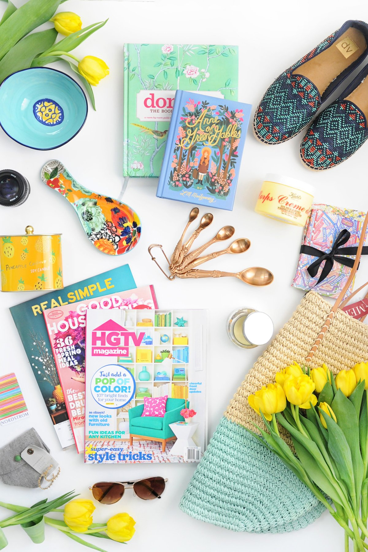 lay flat mothers day shopping image