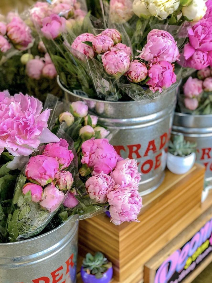 how to make a flower arrangement